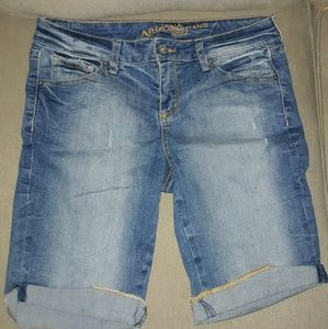 Arizona Jean Co size 5 distressed denim shorts